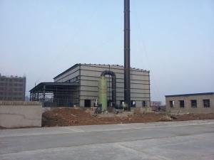 20吨玻璃钢脱硫除尘器、玻璃钢烟道、烟囱安装现场